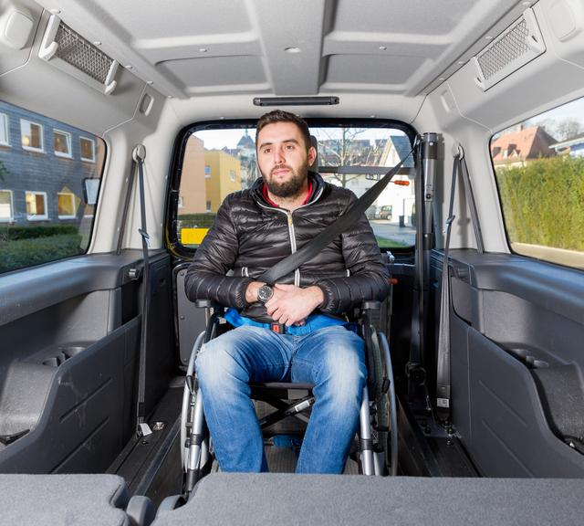 transport de personnes en fauteuil roulant 187 taxi sch 228 tzle